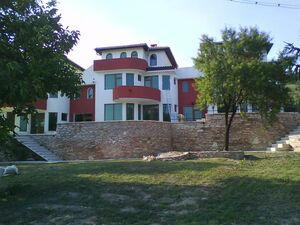 Big holiday property with garage located in a private complex 3 km away from the Black sea coast