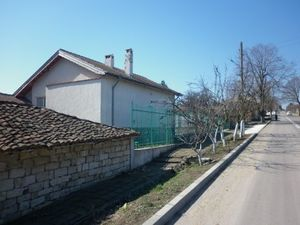 Big renovated property with spacious plot of land