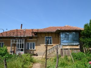 Cheap 2 bedroom house in quiet village Pavel, Polski Trambes
