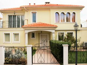 Luxury house with 3 bedrooms, 3 bathrooms, near the sea