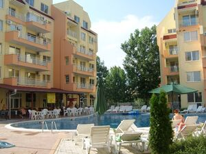 One-bed resale apartment in Sea Dreams complex Sunny Beach