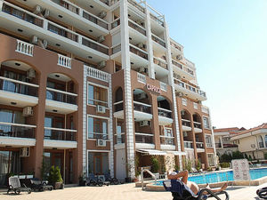 Sea and Pool View 1-bedroom apartment, Saint Vlas