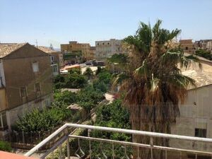 House and commercial premises in Sicily - Leone Ribera