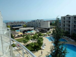 Spacious 2-bedroom apartment with amazing SEA views