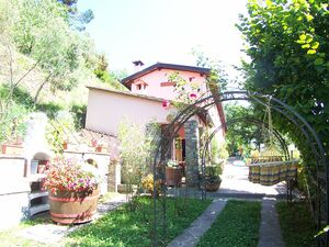 Completely restored house near Filecchio Barga. (R315)