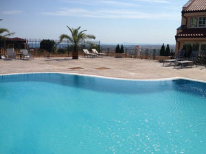 Studio with far reaching views for sale in Chateau Panorama