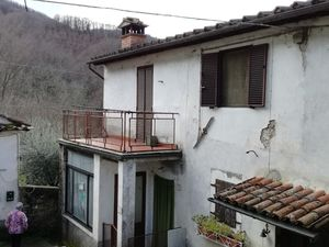Village house in Tuscany (R176)