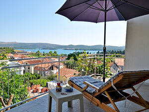 Villa with 5 bedrooms in the center of Tivat