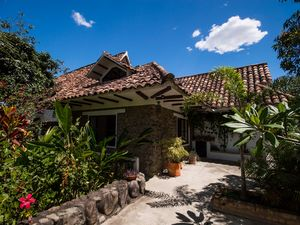Country villa/Guesthouse in Ideal Climate