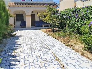 ID4137 Apartment large garden 2 bed Torrevieja, Costa Blanca