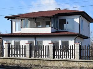 2 BED 3 BATH detached house not far from Varna
