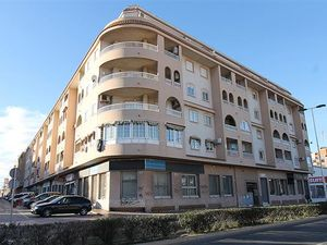 ID4167 Apartment 2 bed Central Torrevieja, Costa Blanca