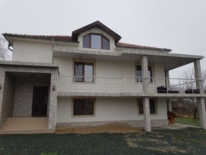 Newly built house 30 miles from the sandy beaches