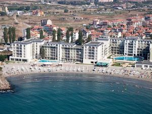 Frontal sea view 1-BED apartment in Festa Pomorie Resort