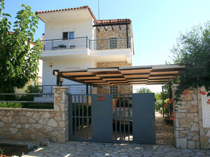 3-story Holiday Home in Theologos, Greece