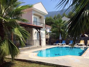 SUPERB 3 BEDROOM TRADITION VILLA IN OVACIK