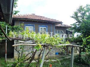 Nice house at a good price in the village of Sushitsa