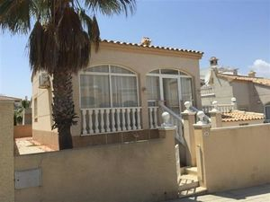 ID4230 REDUCED BARGAIN Villa 2 bed Los Altos, Orihuela Costa