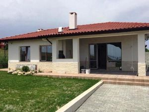 New one-storey house 20 km from Varna, 3 km from the sea