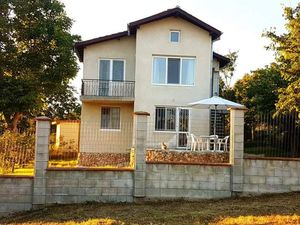 Two storey house 4 km away from Albena resort and the sea