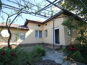 SOLD!!!Renovated two bedroom cottage ready to move in