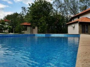 Two-storey house in a complex with a pool 5 km from the sea