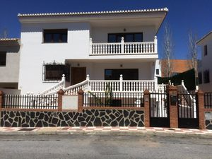 Stunning villa with recording studio and gym in padul