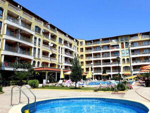 Pool view apartment with 2 bedrooms, 2 baths, Royal Dreams