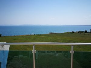 Top floor spacious apartment, 72 sq.m., with sea views