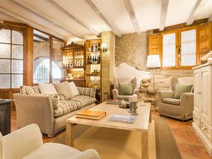 Small charming hotel in medieval village in the Pre-Pyrenee