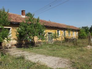 Rural property suitable for manufactruring and farming uses