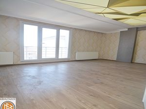 Near metro bus 3+1 apartment for sale in Istanbul