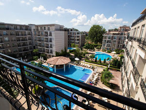 Apartment with 1 bedroom, 2 bathrooms, POOL VIEW, Dawn Park