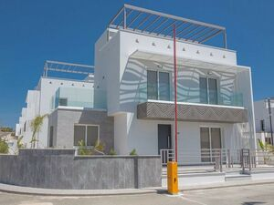 Detached Villa 3 Bedrooms in Ayia Napa Near the Beach