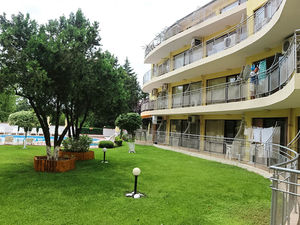Pool view One Bedroom apartment in Akrotiria Nessebar