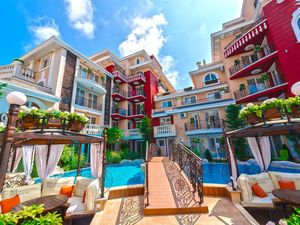 2-BED, 2-BATH apartment with POOL VIEW in Messembria Resort