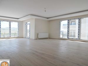 New 3+1 apartment for sale in Beylikduzu Istanbul