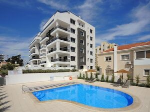 Luxury Apartment 3 Bedroom with communal Pool in Larnaca