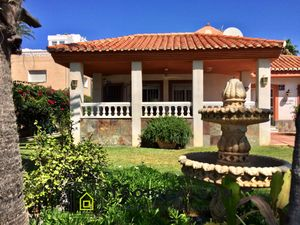 Villa for sale on the seaside close to the golf course