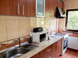 EVERYTHING included! 2 bed/2 bath apt with GARAGE+FURNITURE