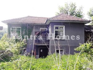 Spacious house with big garden, located in Chukovo