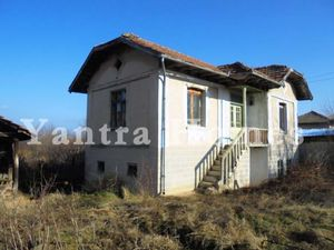 House for renovation 20 minutes away from Veliko Tarnovo