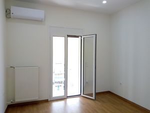 ATHENS-Kypseli RENOVATED penthouse unit 55 m. Investment ! !