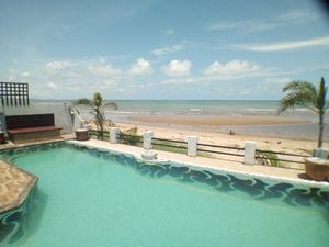 Absolute Beach Front house Rayong Banchang Ban Chang