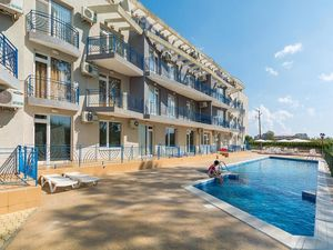 Large studio apartment in Sunny beach, 10 min to the sea