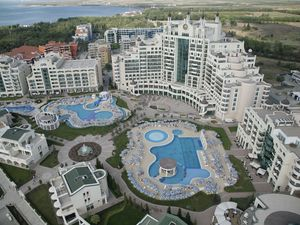 3 Bed Apartment in 5* Sunset Resort Pomorie