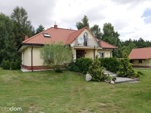 For sale: Country house near the forest