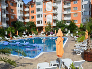 Pool View 1-bedroom apartment in Sea Diamond, Sunny Beach