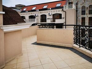 Top floor studio with large terrace in top class complex