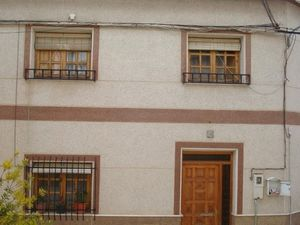 Centrally located townhouse MKTFTJ18